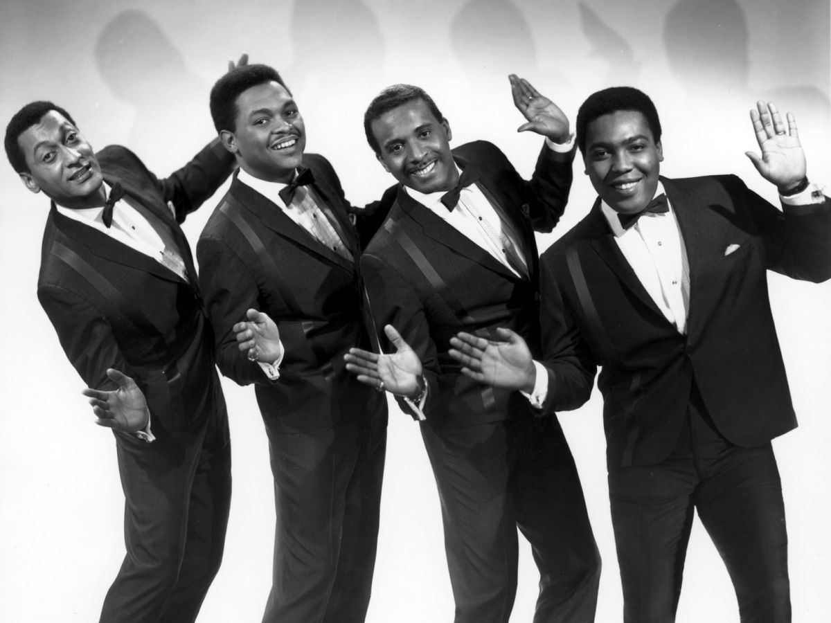 The Temptations & The Four Tops - A Merry Motown Christmas - DC ...